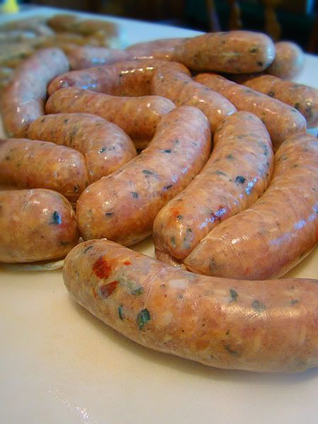 CHICKEN SAUSAGE WITH SUN-DRIED TOMATOES, BASIL AND PARMESAN CHEESE