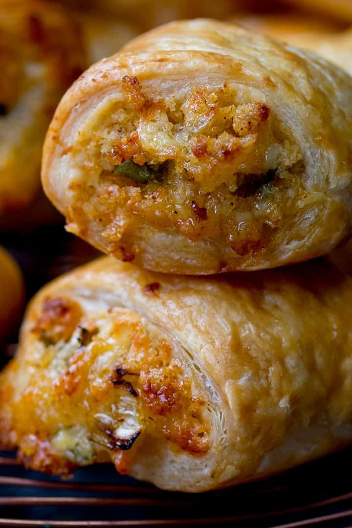 These Vegetarian Sausage Rolls are a simple cheesy pastry treat for vegetarians ...