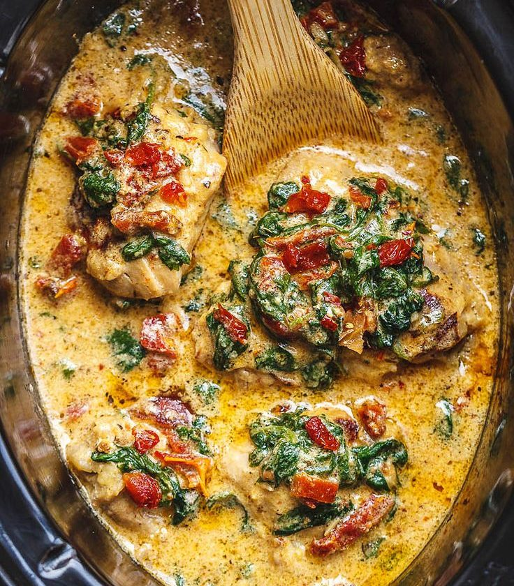 Crock-Pot Tuscan Garlic Chicken With Spinach and Sun-Dried Tomatoes